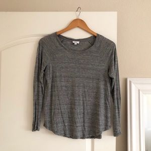 🖤 VINCE Lightweight Scoop Neck Long Sleeve Shirt